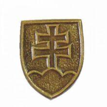 "Odznak ""SVK erb"" stredný 1,2×1,6cm – mosadzný"